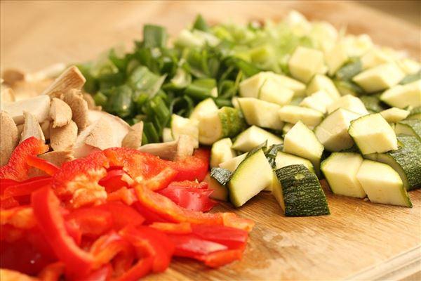 Kylling i karry med pasta og grøntsager
