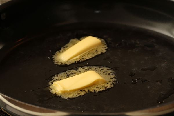Pasta med feta og squash