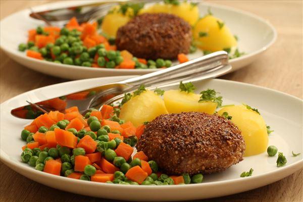 Karbonader med ærter og gulerødder