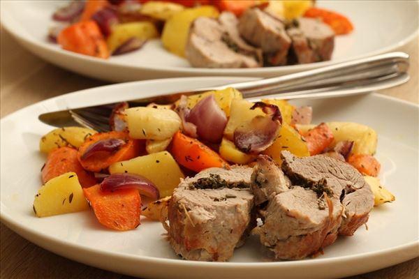Svinemørbrad med ovnbagte grønsager