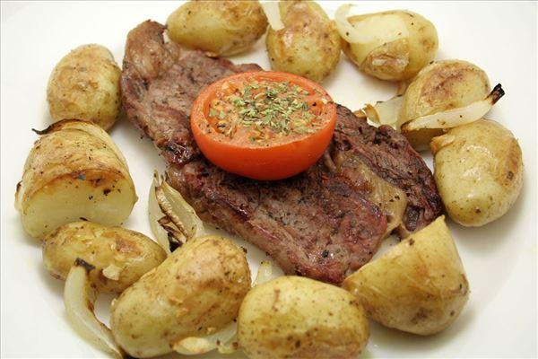 Steak med små kartofler