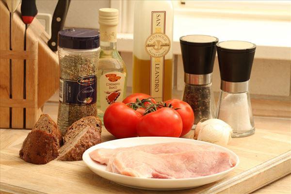 Skinkeschnitzel med tomatsalat