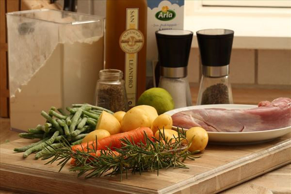 Mørbradbøffer med limesauce og grønne bønner