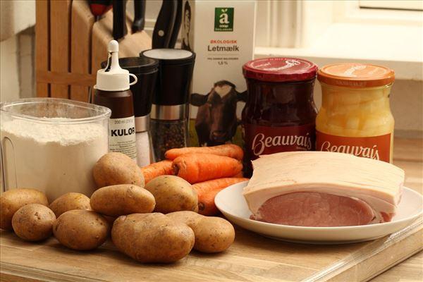 Flæskesteg med kartofler og sovs