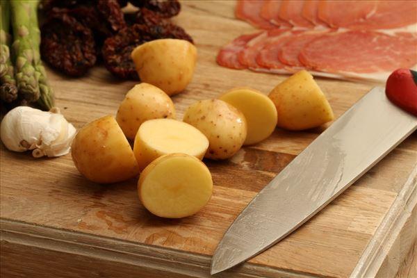 Laks med citron og dijon kartofler