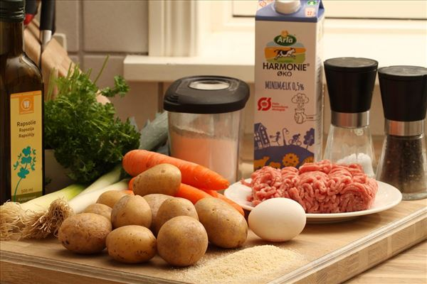 Farserede porrer med kartofler og gulerødder
