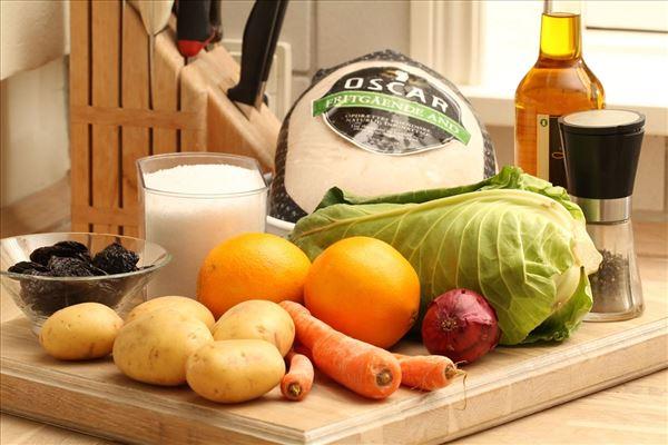 Andesteg med råstegte kartofler og kål