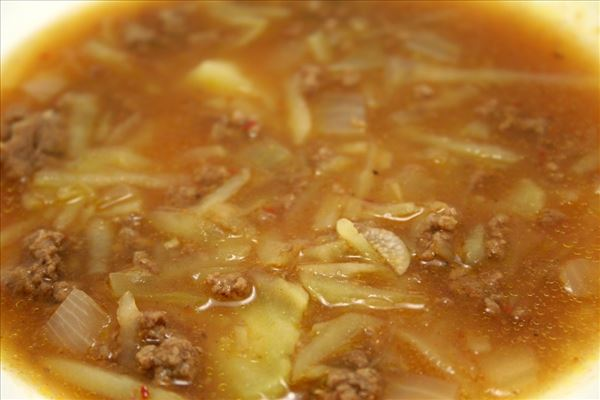 Oksekødssuppe med revet kartofler