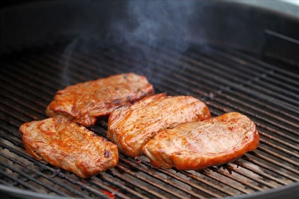 Barbecuebøf med bearnaise og pomme frites
