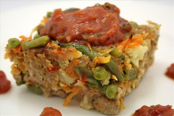 Farsbrød med grønsager og tomatsauce