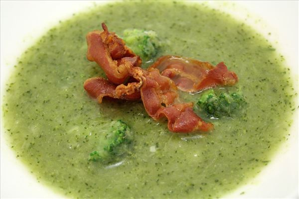 Broccolisuppe med bacon