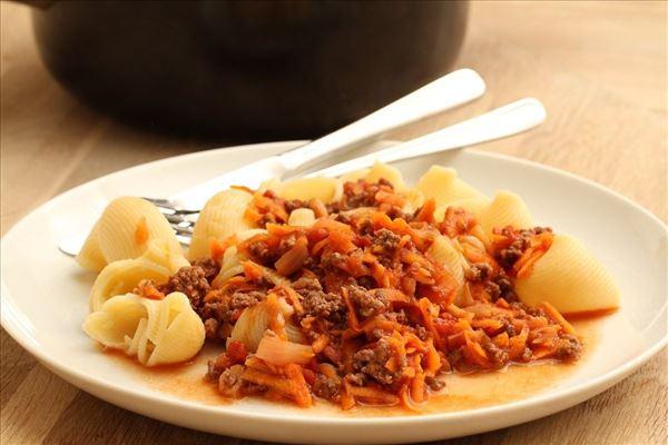 Gulerods kødsovs med pasta
