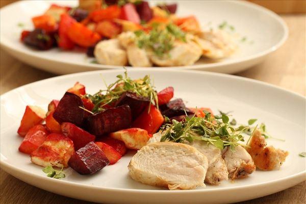 Bagte rodfrugter med kylling