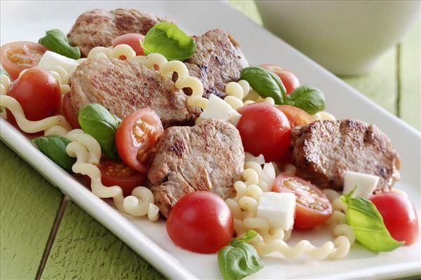 Svinemørbrad med mozzarellapasta
