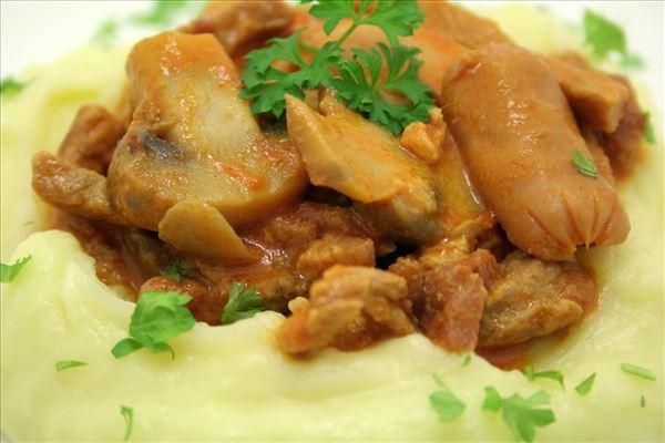 Gryderet med kartoffelmos