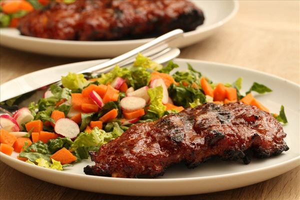 Spareribs med let salat