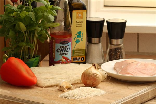 Risnudler med kylling i chilisauce