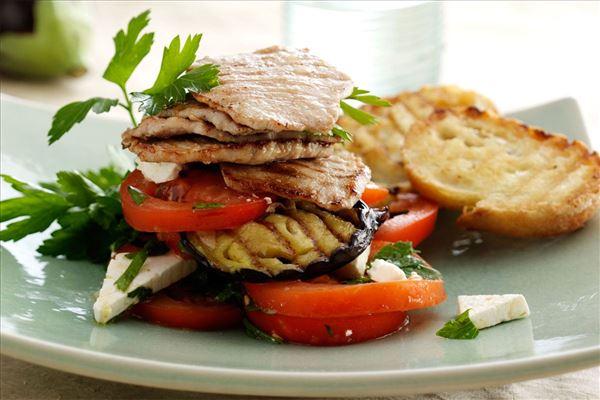 Grillstegte sauté-skiver med tomat og aubergine
