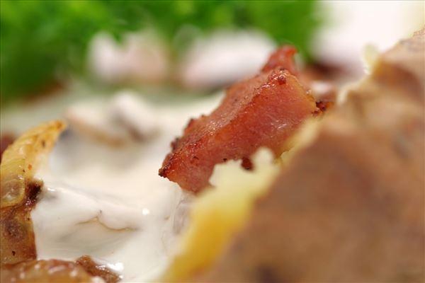 Bagekartofler med baconfyld
