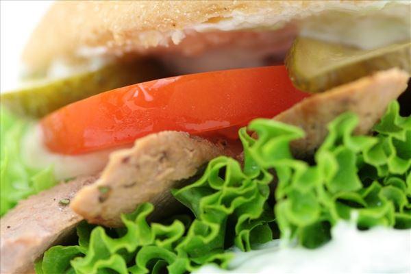 Lammeburger med tzatziki