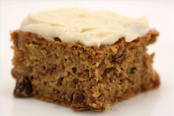Mies lækre squash kage med nødder