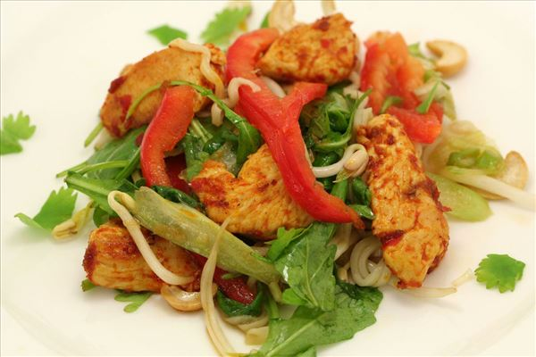 Thai nudelsalat med spicy kalkun