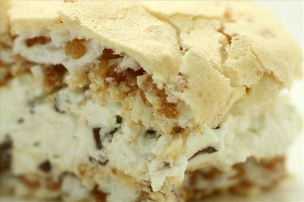 Marengskage med fløde og daim