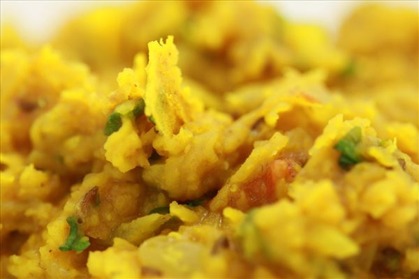 Daal Tarka, gule linser (Indien)