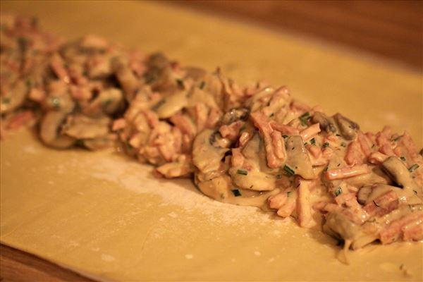 Skinkestang med champignon og sennep