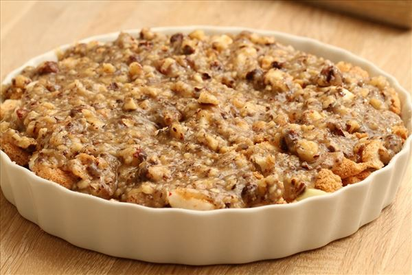 Æblekage med makroner og nødder - Madopskrifter.nu
