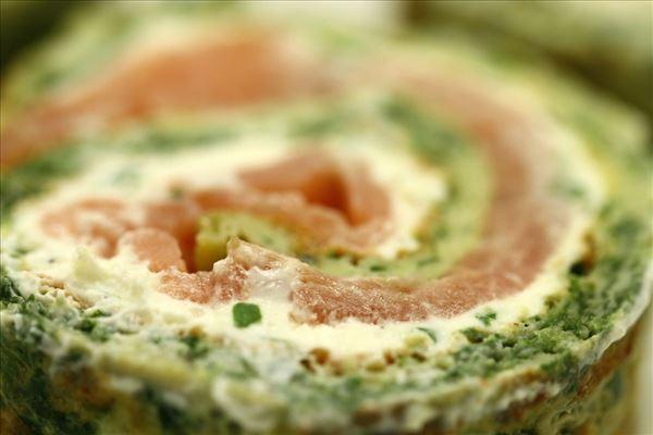 Grøn lakseroulade med basilikum og spinat