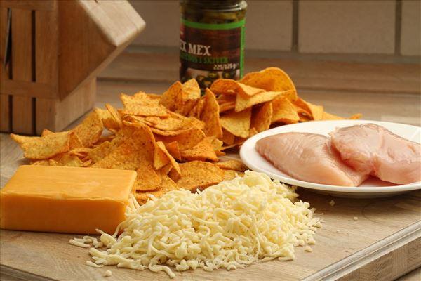 Nachos med kylling og cheddarost