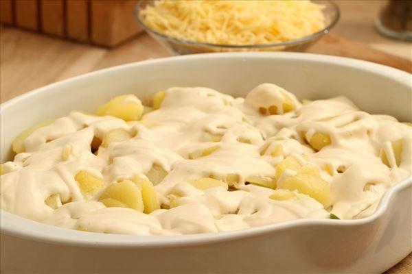 Hakket oksekød med kartoffellåg