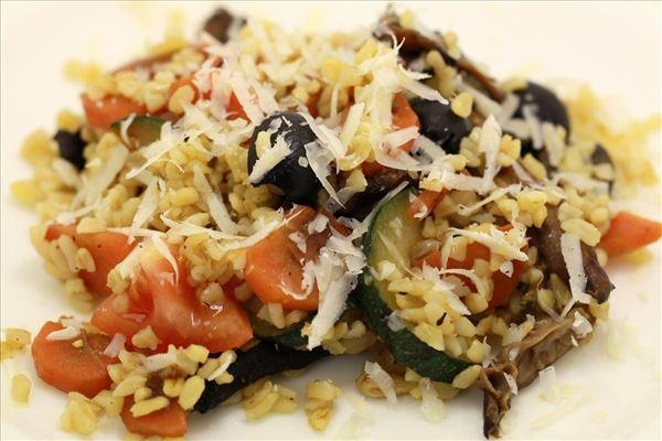 Bulgursalat med grillede grønsager