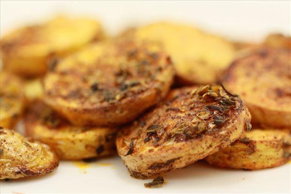 Sprøde ovnkartofler med oregano og paprika - Madopskrifter.nu