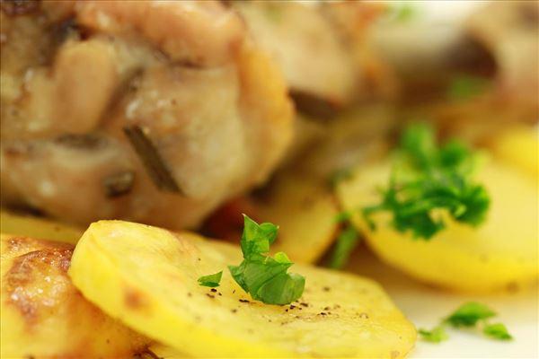 kyllingelår på Provence kartofler
