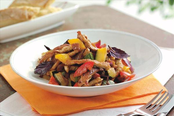Wokstrimler med karamelliserede grøntsager