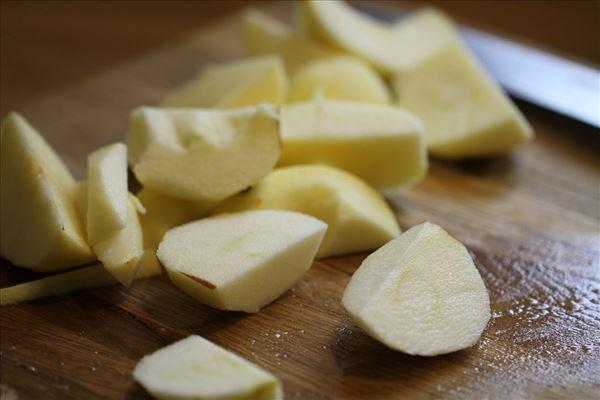 Æblekage med smuldredej