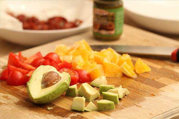 Bulgursalat med avocado og appelsin
