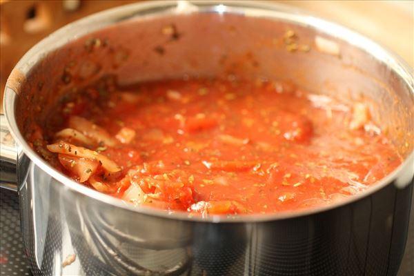 Koteletter i tomatfad