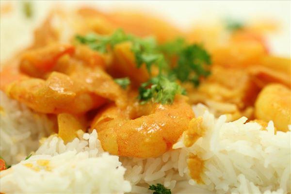 Indiske kæmperejer med kryddersauce og ris