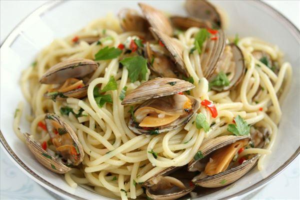 Spaghetti med venusmuslinger - spaghetti vongole