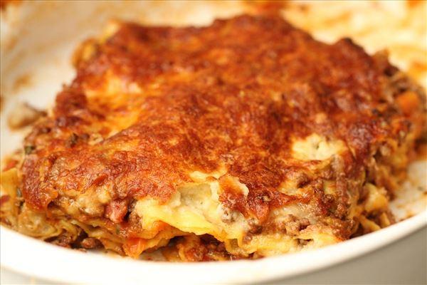 Lasagne med grøntsager og blomkåls bechamel