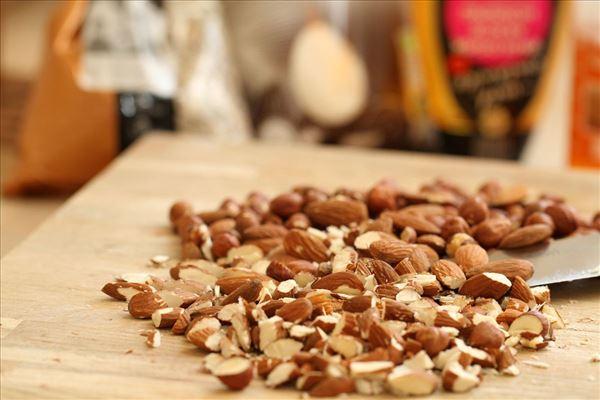 Lækker müsli med nødder og honning