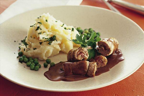 Skinkeruller med kartoffelmos