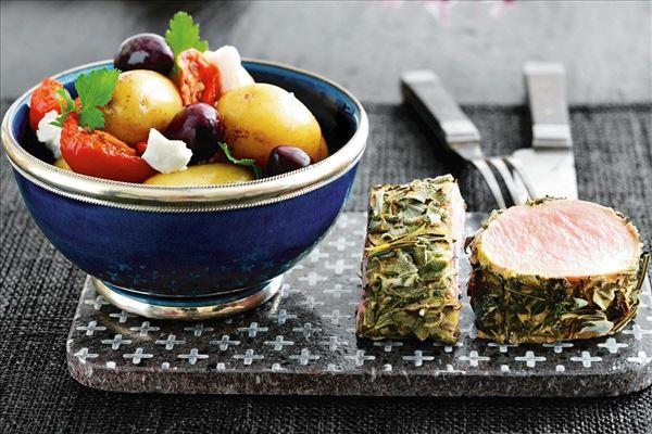 Svinemørbrad med krydderurter og kartofler