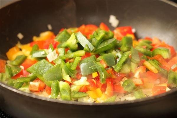 Frisk pastaret med peberfrugt