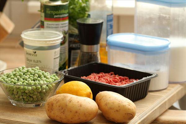 Bøf med ærter og hjemmelavede pomfritter