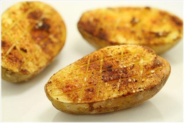 Ovnbagt kartoffel med hvidløg og paprika