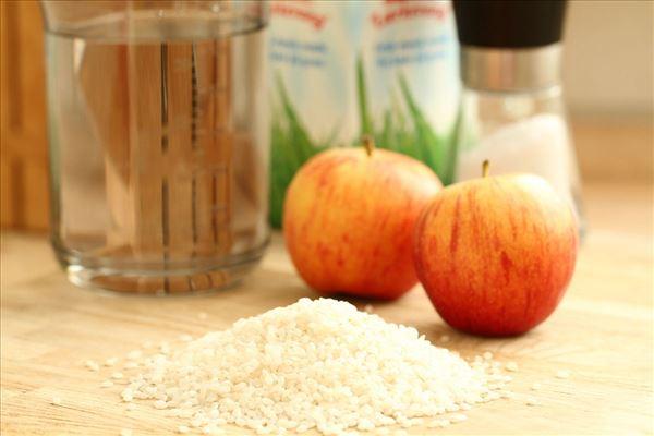 Vandrisgrød med æbler og sukker
